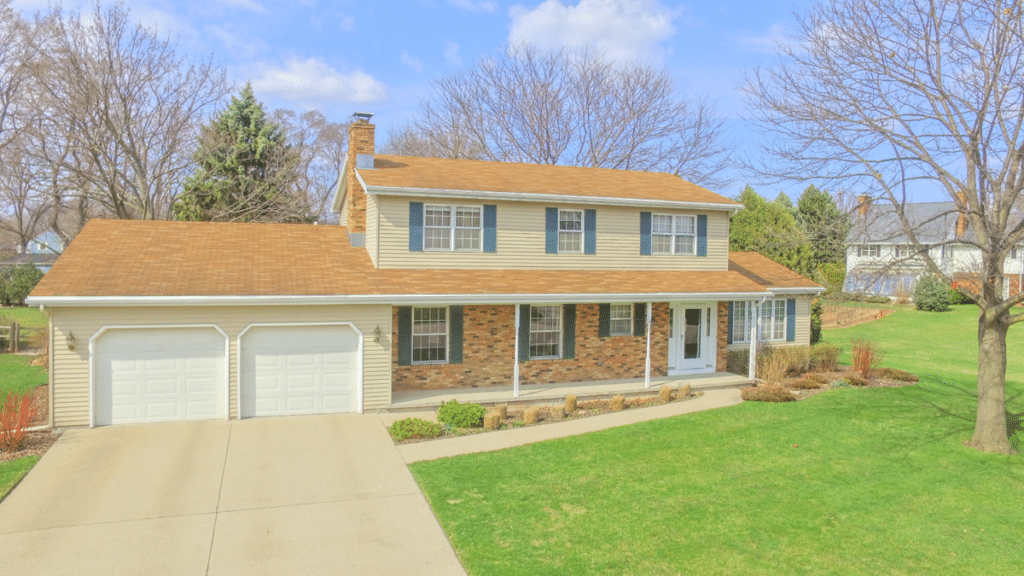 716 Yorkshire Rd Neenah WI for sale